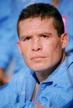 Julio Cesar Chavez Sr.107-6-2 one of the very best ever!