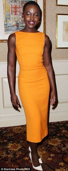 It's those clean line styles that make her look and of course her beauty!!!!!! Lupita Nyong'o