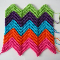 ripple stitch, chevron stitch, ripple stitch, crochet, buttons, free pattern, justjen-knits&stitches A craft blog about tea cosies, knitting, crochet, stitching, vintage collecting, with free tea cosy & toy patterns. Based in Brisbane Australia. cozy teapot