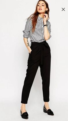 Search for woven peg trousers at ASOS. Shop from over styles, including woven peg trousers. Discover the latest women's and men's fashion online Business Outfit Frau, Business Casual Outfits, Office Outfits, Office Attire, Office Wear, Office Uniform, Fashion Mode, Work Fashion, Office Fashion