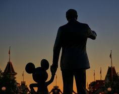 Walt Disney World Hotels - a comprehensive guide to help you choose the right hotel for your stay.