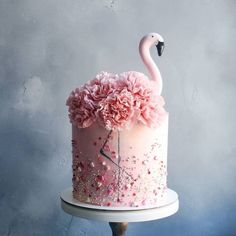 Ideas to decorate a flamingo birthday - crafts - . Flamingo Cake, Flamingo Birthday, Bithday Cake, Birthday Cake Girls, Birthday Crafts, Teenage Girl Birthday, Beautiful Birthday Cakes, Beautiful Cakes, Pretty Cakes