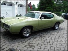 1969 Pontiac GTO... my brother-in-law had one exactly like this.  It was quite the car!!!
