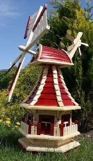 Eine unvergleichbare Gartendekoration können Sie mit dieser Holzwindmühle erreichen. Sie ist komplett aus Holz gefertigt und mit vielen kleinen Details versehen. Damit sich die die Flügel der Windmühle auch schon bei wenig Wind drehen wurden diese mit einem Kugellager versehen. Die Flügel sowie der Windmühlenkopf sind um 360° drehbar und abnehmbar. Die Gartenwindmühle kann in den Farben rot oder braun bestellt werden. Diese Gartenwindmühle ist bereits mit einer Solarbeleuchtung ausgestattet…