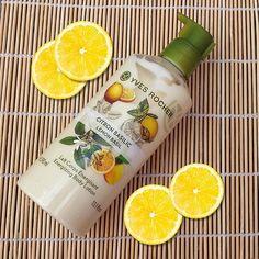 Hidrata al máximo tu piel y disfruta el delicioso aroma de la Crema Corporal Fluida Limón y Albahaca.