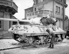 Jackson Tank Destroyer of the Third Army january 1945 Luxembourg M10 Wolverine, M10 Tank Destroyer, Tank Armor, Sherman Tank, Ww2 History, Armored Fighting Vehicle, Ww2 Tanks, Panzer, Armored Vehicles