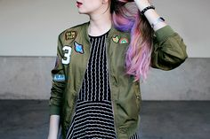 Meninices da Vida: Look: Vestido listrado + Bomber Jacket com patches