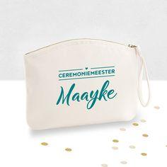 Toiletbag bestman with name / Toilettas ceremoniemeester met naam / Shop all your bacheloretteparty items at: https://www.weddingdeco.nl/