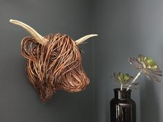 willow trophy head Willow Weaving, Basket Weaving, Plaster Wall Lights, Twig Art, Painted Baskets, Traditional Baskets, Cow Head, Wooden Animals, Animal Heads