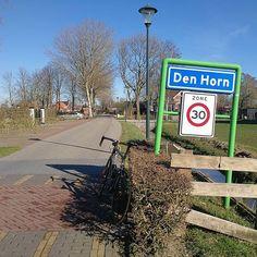 #Vanmiddag heb ik heerlijk gefietst ruim 100 km. Ik kwam o.a. door #Aduard #Saaksum #Broek en #Pieterburen   En ook door Den Horn zoals je kunt zien  Mijn #fiets staat immers bij het plaatsnaambordje  Het werd vandaag ruim 15 graden in Nederland niet normaal voor de tijd van het jaar. Zou het morgen weer zulks lekker weer worden ? (26-02-19) Bekijk ook eens de website van Tjerk: www.TjerkBos.com