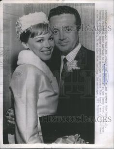 Singer Vic Damone and Judy Rawlings at their 1963 wedding in Las Vegas.  They had three daughters but divorced in 1971. (Note: Thanks to their granddaughter Paige we learn her grandmother's last name was Rawlins, not Rawlings.)
