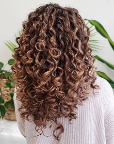 Curly Hair Styles, Natural Hair Styles, Long Curls, Natural Curls, Young And Beautiful, Salons, Cool Style, Dreadlocks, Wavy Hairstyles