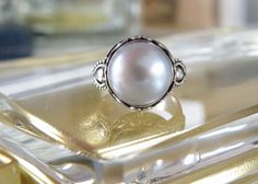 Suarti Artisan Crafted Gray Cultured Mabe Pearl Sterling Silver Ring Size 6 #Suarti #Solitaire #mabepearls #jewelry #indonesiajewelry #suarti #suartijewelry #lovepearls #pearls #classic #jewelrywithmeaning