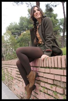 Newest Best Chic Outfit Ideas for Ladies Brown Tights, Colored Tights, Black Tights, Opaque Tights, Nylons, Pantyhose Outfits, Chic Outfits, Sexy Outfits, Fall Outfits