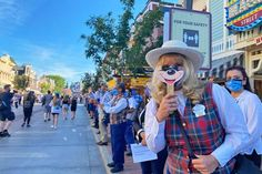 What to Know When Visiting Disneyland During the Reopening Period Disney California Adventure Park, Disneyland California, Downtown Disney, Disneyland Resort, Grand Californian, New Mobile, Hotel Spa, For Stars, What Is Like