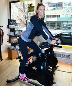nina-agdal-at-ride-for-charity-benefit-in-new-york_5.jpg (1200×1430)