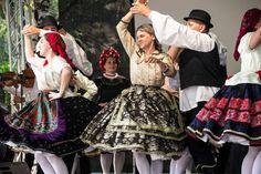 Sárközi táncok - Kapolcs, Művészetek Völgye Folk Costume, Costumes, Hungary, Victorian, Traditional, Dresses, Fashion, Vestidos, Moda