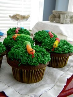 Snake in the grass cupcakes