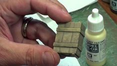 In this LC-TV episode, Dave shows how to create easy weathered wood effects using a scale crate. Modeling Techniques, Modeling Tips, Minis, 28mm Miniatures, Decoupage Box, Military Diorama, Model Train Layouts, Mini Paintings, Weathered Wood
