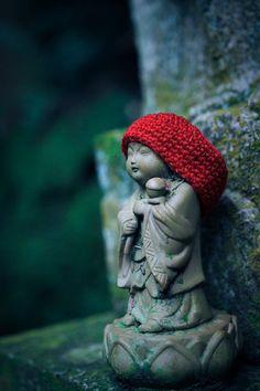 2013年10月29日 27.寶山寺 奈良県生駒市 little buddha statue slouchy red hat knitting amigurumi jizo crochet
