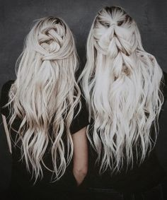 platinum  blonde wavy hair colors hairstyles 22 Blonde Hair Models, Blonde Wavy Hair, Festivals, Platinum Blonde, Hair Styles, Hair Colors, Hairstyles For School, Quick Hairstyles, Prom