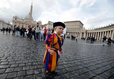 With the international media craze around Pope Francis I, the Vatican's Swiss Guards are on every TV screen. Ignatius Of Antioch, Catholic Orders, Swiss Guard, Pope Benedict Xvi, Francis I, Roman Catholic, Good News, Rome, Looks Great