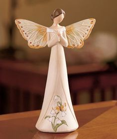 Find festive ideas to get you, your loved ones, and your home in the holiday spirit. Pottery Sculpture, Sculpture Art, Sculptures, Christmas Tree Angel, Christmas Tree Toppers, Clay Angel, Butterfly Images, Polymer Clay Figures, Deco Originale