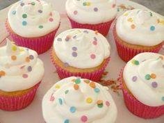 Faça passo a passo a receita de Cupcake que não tem como errar porque é bem simples e fácil! Tenho certeza que vai ser sucesso! Cupcake Imprimir Autor: Rec