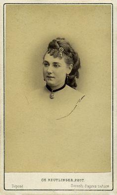 Mademoiselle Anita Gauté. Albumine visitekaart foto (1872) gemaakt door Charles Reutlinger. Verzameling Wilfried Vandevelde.