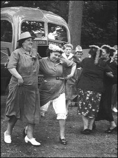 Grace Robertson, Pub Outline (1954)