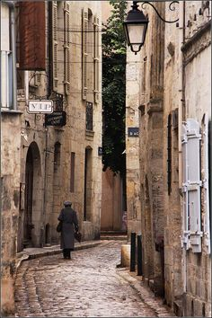 Rue du Périgueux,  Perigord, France  (by Capt' Gorgeous)...I THINK I HAVE A VERY SIMILAR PHOTO.  LOVE IT!!