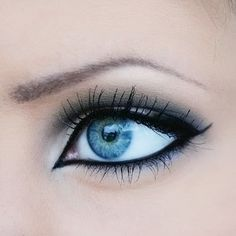 Black and white cat eye