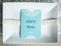 wedding stationary by WeddingEve. read more - http://www.hummingheartstrings.de/index.php/papeterie/besondere-hochzeitskarten-mit-weddingeve-by-huefner-design