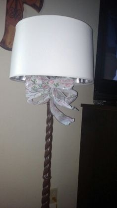 A lonely bow will dress up our lampstand, why not!?!