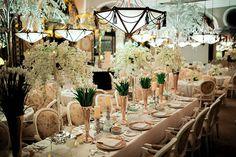 Vintage Reception Table Setting | Photo: MangoRed
