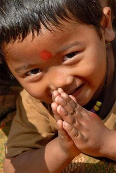 """""""The gesture Namaste represents the belief that there is a Divine spark within each of us that is located in the heart chakra. The gesture is an acknowledgment of the soul in one by the soul in another. Kids Around The World, We Are The World, People Of The World, Precious Children, Beautiful Children, Beautiful Babies, Beautiful Soul, Beautiful People, Little Buddha"""