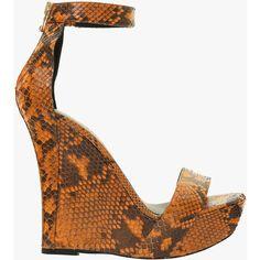 Sandales compensées Samara en python | Chaussures Femme | Balmain (£410) ❤ liked on Polyvore featuring shoes, sandals, snake print sandals, balmain, balmain sandals, snakeskin print shoes and python print shoes