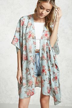 027d493ed315c0 Style Deals - This satin woven kimono features an allover floral print