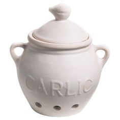 Keep bulbs of garlic fresh and ready for your favorite pasta sauce with this ceramic keeper, a classic addition to your traditional kitchen....