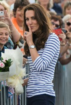 Catherine, Duchess of Cambridge greets her fans in Auckland Harbour during their tour of New Zealand and Australia, 11.04.2014