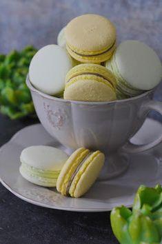 Kakkuviikarin vispailuja!: Macarons-leivokset Macaroons, Eggs, Breakfast, Food, Pasta Noodles, Macaroni, Macarons, Egg, Hoods