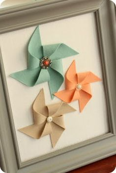 DiY felt pinwheel wall art