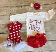 Girls Bodysuit Christmas Outfit - Short or Long Sleeves  The white bodysuit is adorned with Babys First Christmas in glitter vinyl. Matching red chiffon bloomers, headband and Legwarmers to match. Customize it to say your babys name instead of Baby or My, just leave me a note.  Your sweet little princess will look so elegant in this exquisite and precious holiday outfit! Great for a Photo Session, Baby Shower Gift, Christmas any other Special Occasion.  These are 100% cotton 7.5 Oz Interlock…