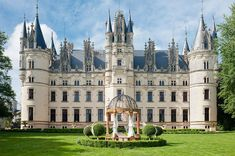 Beautiful Castles, Beautiful Buildings, Beautiful Places, French Architecture, Beautiful Architecture, French Castles, Château Fort, Mansions Homes, Texas Mansions