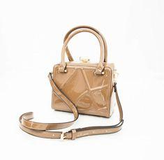 93f62b867 Bolsa V&V Finder Transversal Texturizada - Fifi look'store