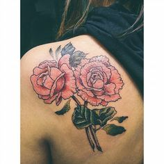 #tatuaje para Dani  Tatuando en #viedma hasta mediados de enero Tatuando en #villaregina ultima semana de enero Tatuando en #neuquen del 1 al 11 de Febrero! Consultas y turnos por privado.  #tattoo #botanicaltattoo #tattooed #tattoos #tattooartist #tattooartist #tattoo #flowers #flores #belpainefilu #bttbuenosaires #rosas #rose #rosetattoo #rosetattoos