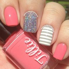 A manicure is a cosmetic elegance therapy for the finger nails and hands. A manicure could deal with just the hands, just the nails, or Fancy Nails, Cute Nails, Pretty Nails, Sparkle Nails, Glitter Nails, Simple Nail Designs, Nail Art Designs, Nails Design, Coral Nails With Design