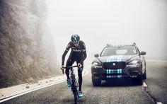 Lataa kuva kilpapyöräilijä, Chris Froome, Joukkue TAIVAS, Jaguar F-Pace