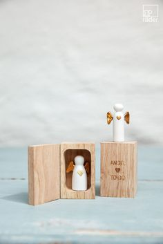 "Kleiner Engelbegleiter ""Angel to go"" - To Go, Giving, Box, Floating Shelves, I Shop, Merry Christmas, Creations, Angel, Cool Stuff"
