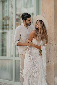 Bridal Outfit | @brautbluete mit einem Kleid von @ruedeseinebridalHat | @crownofthevagabondFlowers | @wilddaisy.weddingCouple | @modelcouplemallorca #braut2022 #hochzeitswahn #hochzeitsinspiration #brautinspiration #hochzeitskleid #weddingmallorca #mallorcawedding